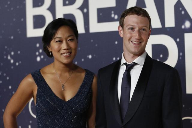 Vợ và bạn gái của 10 tỷ phú giàu nhất thế giới - Ảnh 7.
