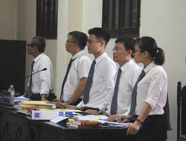 Huỷ án sơ thẩm vụ vợ chồng giám đốc doanh nghiệp từng bị Đường Nhuệ chiếm đóng - Ảnh 3.