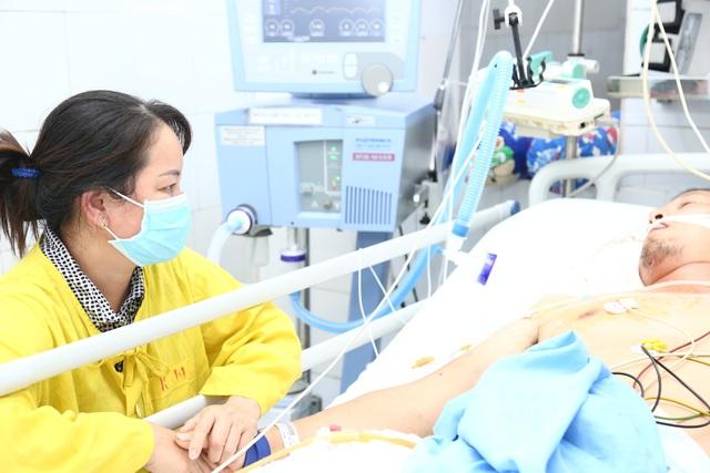 KHẨN CẤP: Kêu gọi hiến máu B - Rh(-) cứu sống người bệnh tai nạn nguy kịch - Ảnh 1.