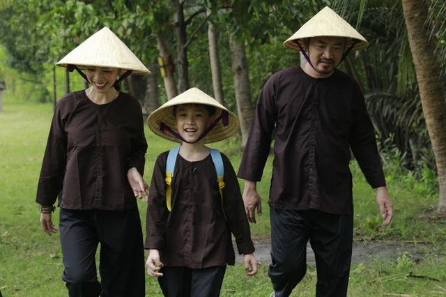 Con trai Thu Trang - Tiến Luật nhắc tên con gái Đoan Trang, lại còn e thẹn cực đáng yêu  - Ảnh 8.