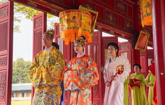Cảnh nóng bại trận và đại thắng của Hòa Minzy, Hoàng Thùy Linh - Ảnh 4.