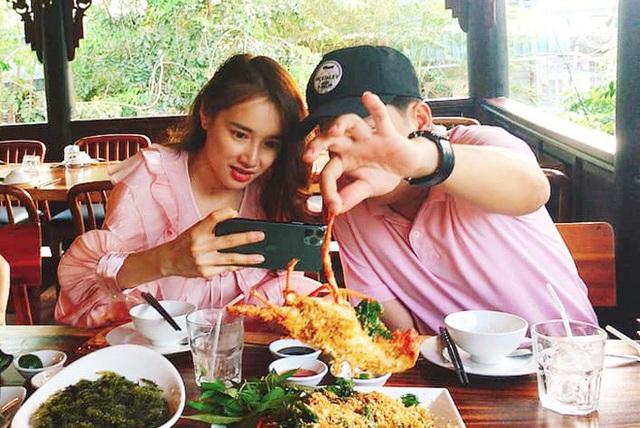Nhã Phương đón tuổi 30 bên Trường Giang và nhóm bạn thân showbiz - Ảnh 9.