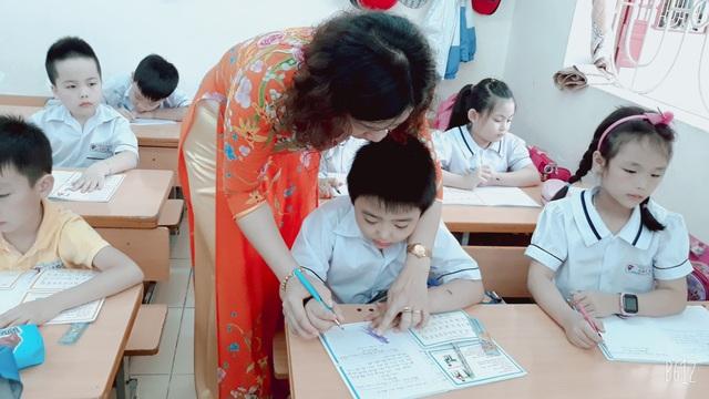 """Chương trình giáo dục mới cho phép giáo viên """"vượt rào"""" khỏi SGK khi cần thiết - Ảnh 4."""