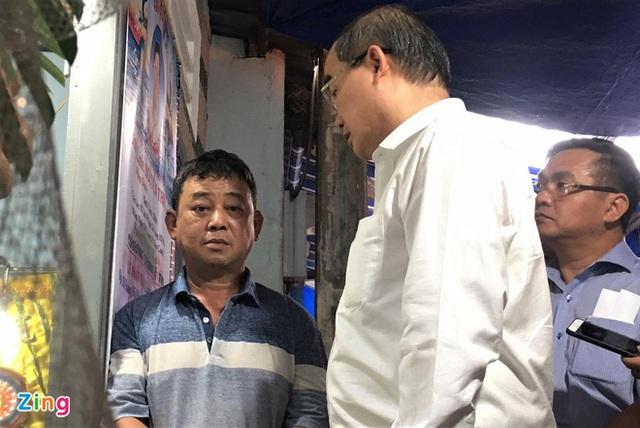 Bí thư Nguyễn Thiện Nhân đến viếng học sinh tử nạn - Ảnh 1.