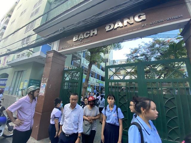 Thông tin mới nhất về tình trạng 17 học sinh bị thương vụ cây phượng đổ trong sân trường THCS Bạch Đằng - Ảnh 5.