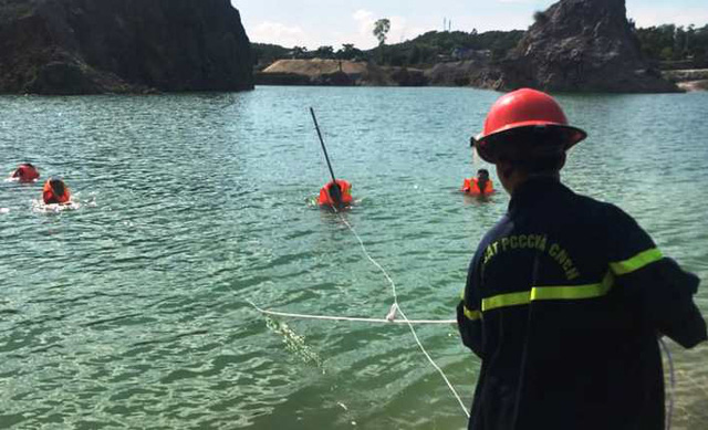 Nghệ An: Tìm kiếm nạn nhân nghi đuối nước tại hồ - Ảnh 1.