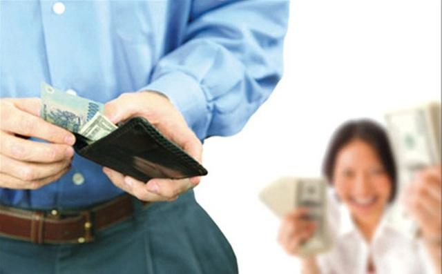 Chồng không đưa tiền cho vợ, chị em ta phải làm sao đây? - Ảnh 2.
