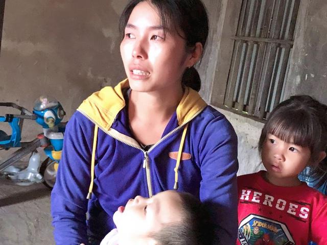 Đôi vợ chồng nghèo ở Hà Tĩnh cầu xin sự sống cho con trai bị não úng thủy - Ảnh 5.