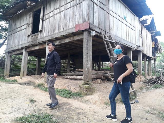 Quảng Bình: Băng rừng vượt suối tìm học trò sau kỳ nghỉ dịch COVID-19 - Ảnh 2.