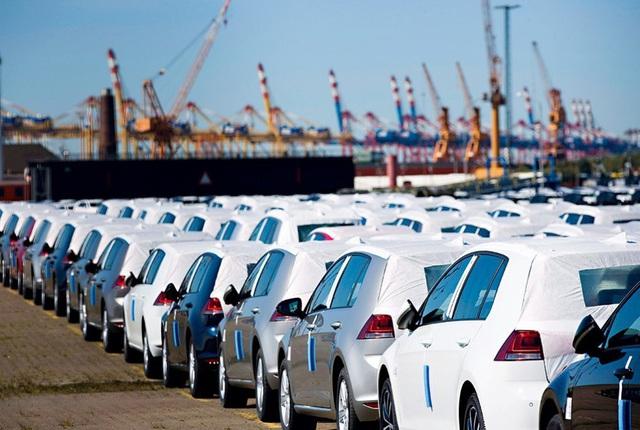 Thái Lan, Indonesia đẩy hàng tồn, ô tô giá rẻ tràn sang Việt Nam - Ảnh 1.