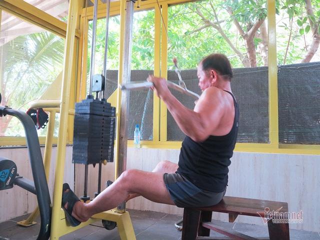 Cụ ông An Giang 84 tuổi cơ bắp cuồn cuộn, ngày tập gym 2 tiếng - Ảnh 4.
