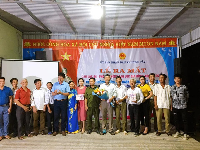Hưng Nguyên (Nghệ An) ra mắt CLB phòng chống bạo lực gia đình - Ảnh 1.