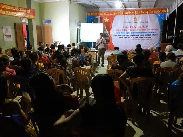 Hưng Nguyên (Nghệ An) ra mắt CLB phòng chống bạo lực gia đình - Ảnh 2.