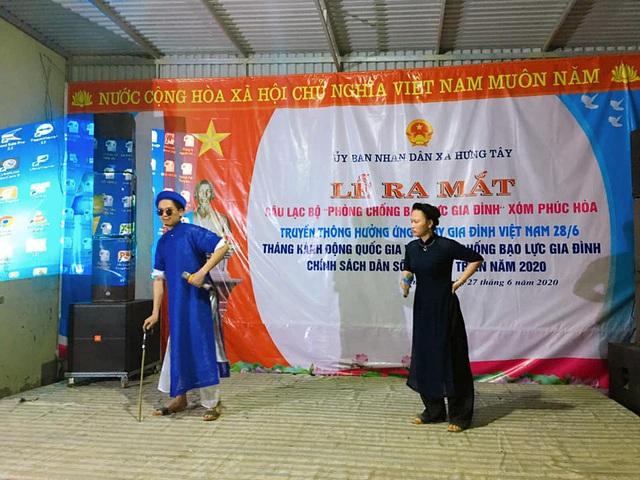 Hưng Nguyên (Nghệ An) ra mắt CLB phòng chống bạo lực gia đình - Ảnh 4.
