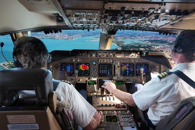 """Sau vụ phát hiện nhiều phi công Pakistan dùng bằng lái giả: """"Nóng"""" chuyện tuyển dụng phi công - Ảnh 1."""
