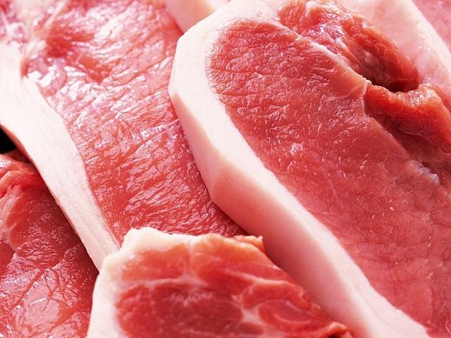 Khi mua thịt, chỉ cần nhìn biểu hiện sau khi ấn ngón tay vào miếng thịt sẽ biết thịt tươi hay bị bơm nước, thịt ôi - Ảnh 1.