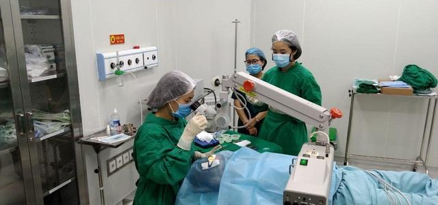 Phẫu thuật mắt tại BVĐK MEDLATEC: Nhẹ nhàng như đi nghỉ dưỡng - Ảnh 1.