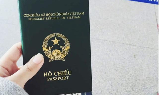 Tin vui: Từ ngày mai, người dân không phải về quê để làm hộ chiếu - Ảnh 1.