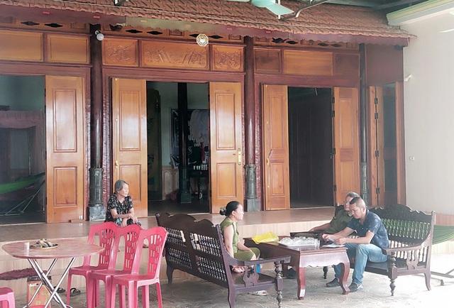 60 hộ ở một xóm bỗng thoát nghèo sau khi nhận tiền hỗ trợ COVID-19: Giải trình của UBND huyện Quỳ Châu có thuyết phục? - Ảnh 1.