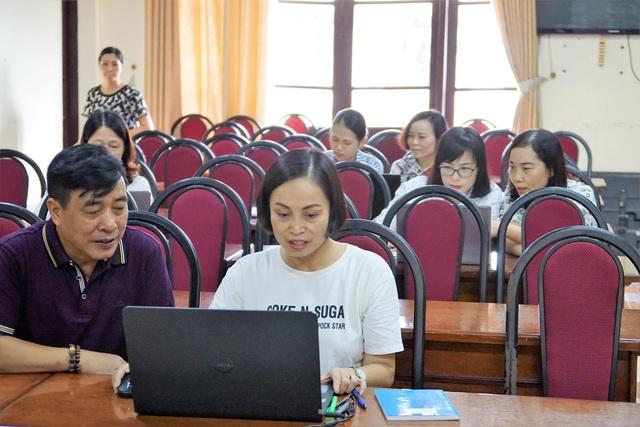Lựa chọn SGK theo chương trình đổi mới giáo dục: Giáo viên mừng hay lo? - Ảnh 3.