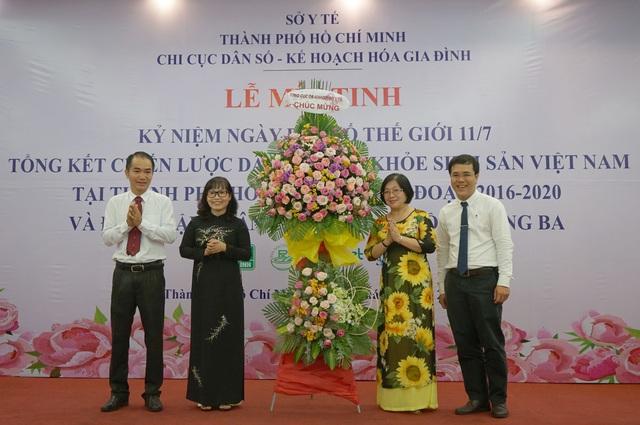 Chi cục DS-KHHGĐ TP.HCM mít-tinh kỷ niệm Ngày Dân số Thế giới và đón nhận Huân chương Lao động hạng Ba - Ảnh 4.