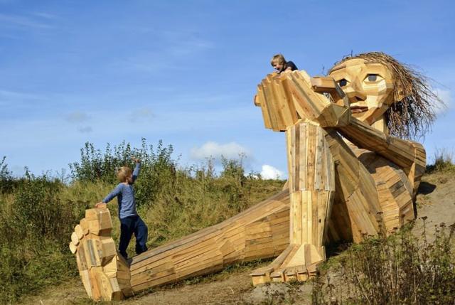 Giống khu Quỷ Núi ở Đà Lạt, các nước làm du lịch từ rừng thế nào? - Ảnh 4.