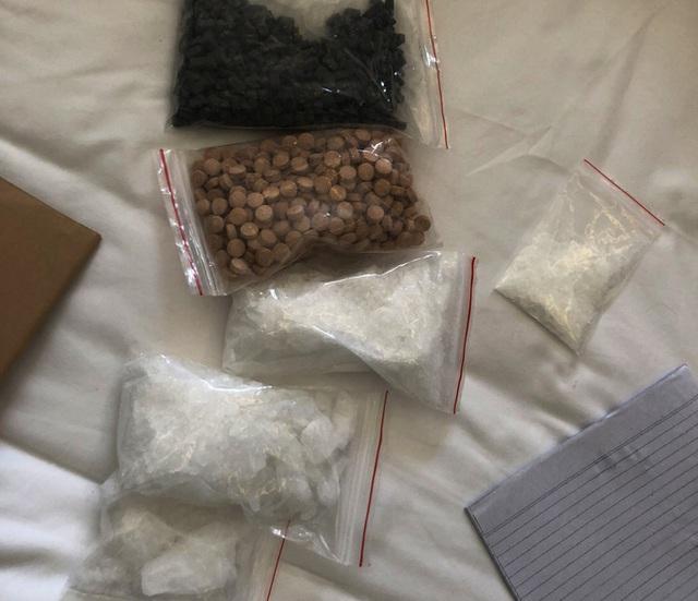 Bắt tại trận hot girl từ Khánh Hòa cùng bạn trai mang ma túy vào Cà Mau  - Ảnh 3.