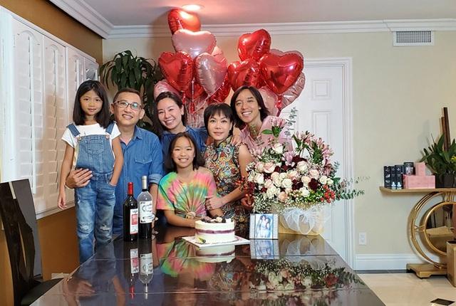 Việt Hương - Hoài Phương kỷ niệm 14 năm bên nhau - Ảnh 5.