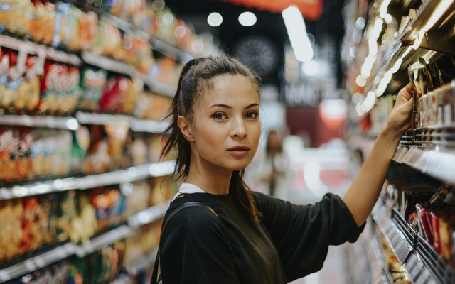 8 sai lầm khiến bạn mất tiền oan khi đi siêu thị nhưng không hề hay biết, đến khi về nhà mới thấy hối hận - Ảnh 2.