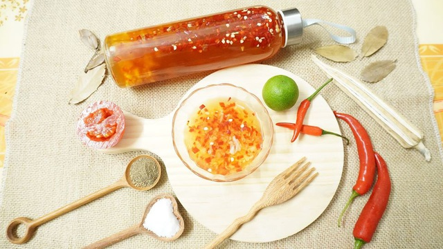 Thêm vài lát thứ quả này, nước chấm chua ngọt thơm, sánh, ăn gì cũng ngon, để lâu dùng dần trong cả tháng - Ảnh 6.