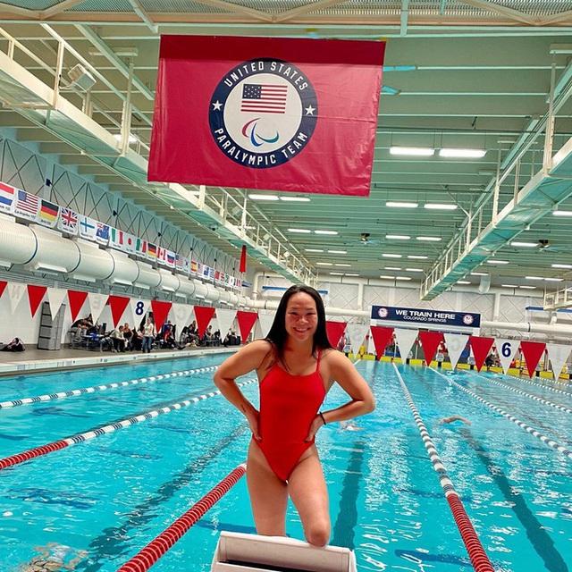 Cô gái gốc Việt mất 2 chân vì nổ bom, thành VĐV bơi lội ở Mỹ - Ảnh 7.