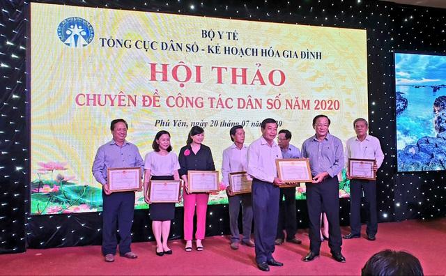 Hội thảo chuyên đề công tác dân số năm 2020 các tỉnh phía Nam - Ảnh 7.