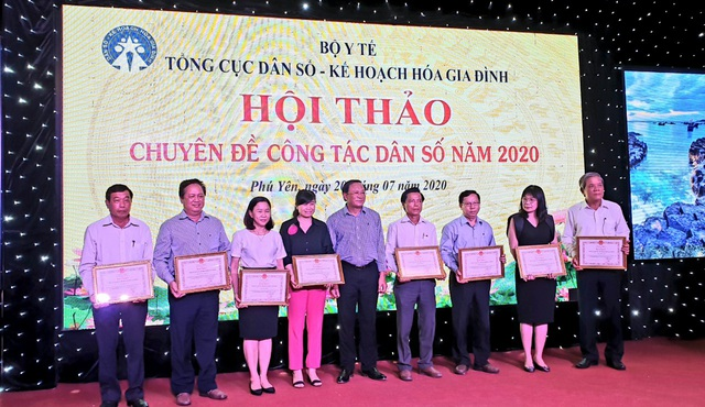 Hội thảo chuyên đề công tác dân số năm 2020 các tỉnh phía Nam - Ảnh 6.