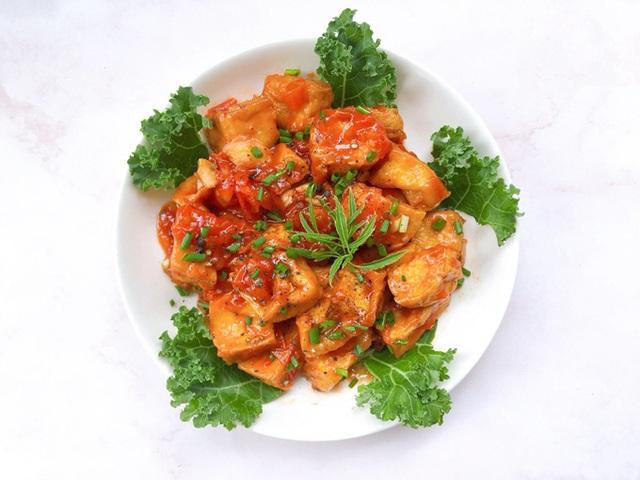Ngon miệng bữa cơm mùa hè với món đậu phụ sốt cà chua - Ảnh 2.