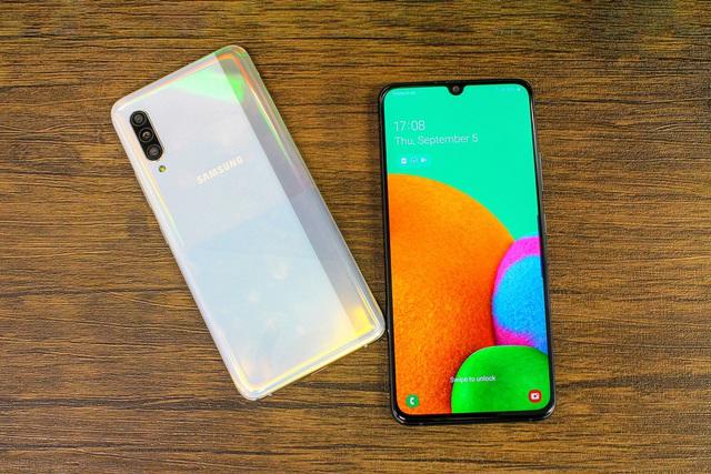 Top 3 điện thoại 5G giá bình dân - Ảnh 2.
