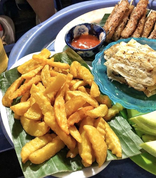 Bánh tôm và loạt món ngon hút giới trẻ Hà Nội ngày hè - Ảnh 4.