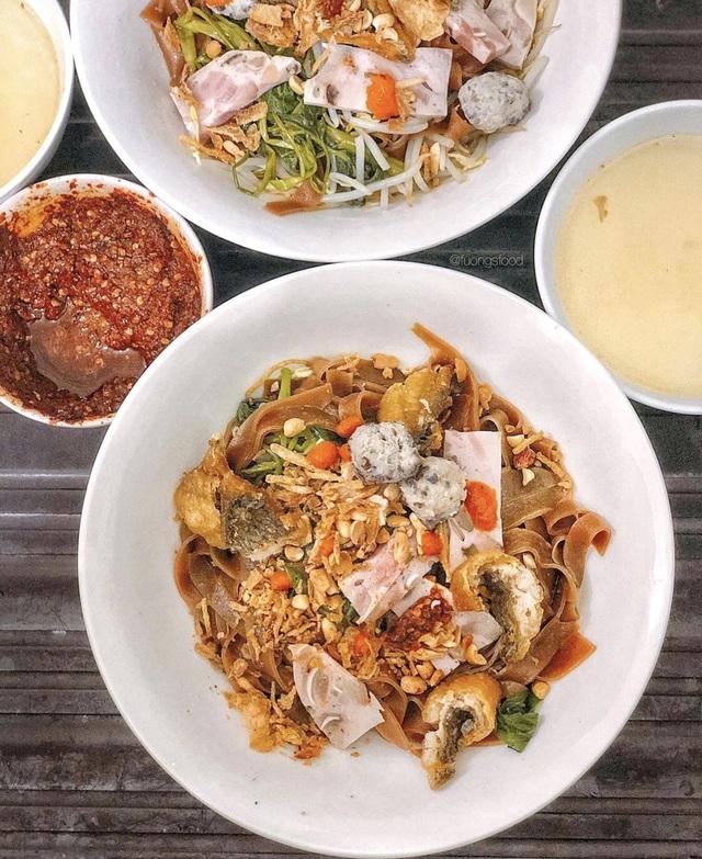 Bánh tôm và loạt món ngon hút giới trẻ Hà Nội ngày hè - Ảnh 8.