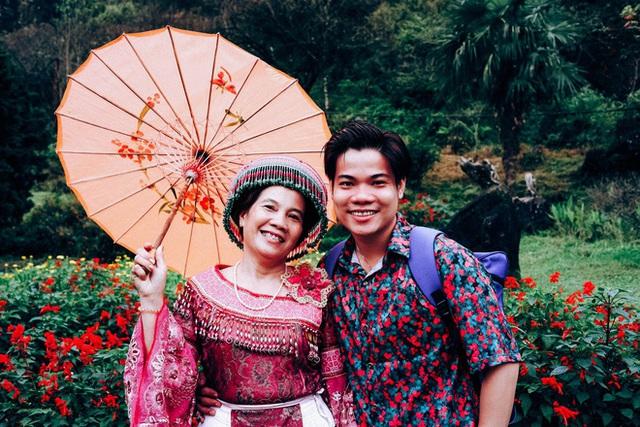9X Bạc Liêu đưa mẹ du lịch khắp Việt Nam suốt 3 năm - Ảnh 1.