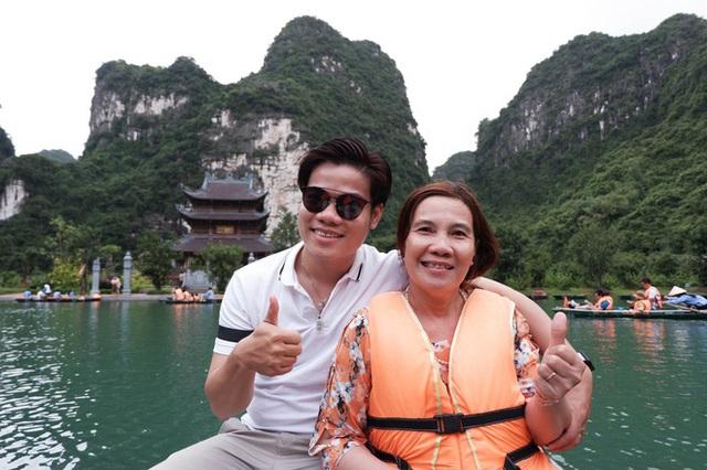 9X Bạc Liêu đưa mẹ du lịch khắp Việt Nam suốt 3 năm - Ảnh 2.