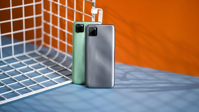 6 smartphone đáng chú ý bán trong tháng 7 - Ảnh 2.