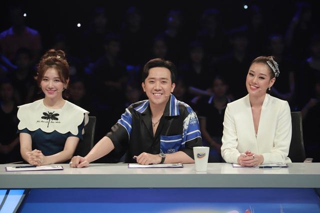 Hari Won: Trấn Thành thích búp bê và luôn lấy vợ làm mẫu để phối đồ - Ảnh 3.
