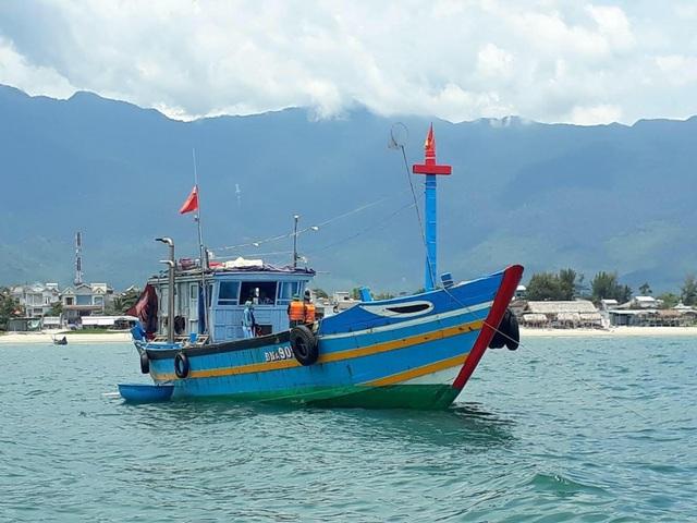 Tàu cá chở 9 người từ Đà Nẵng ra Huế để trốn cách ly - Ảnh 2.