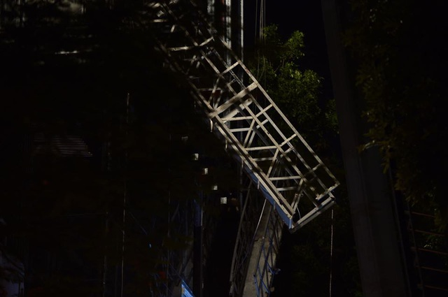 Hà Nội: Xảy ra tai nạn lao động trong đêm tại công trường đang thi công, 4 người thương vong - Ảnh 5.