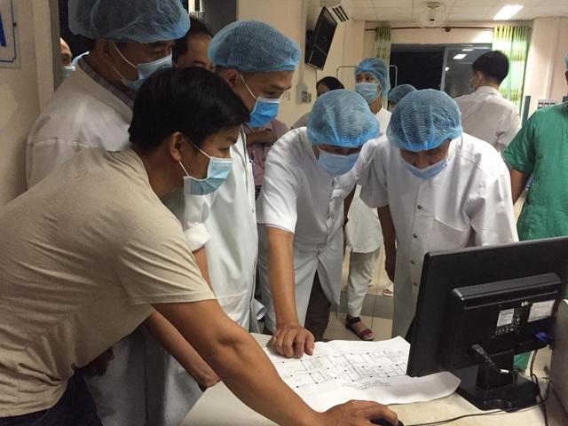 Thứ trưởng Bộ Y tế Nguyễn Trường Sơn cùng Bộ chỉ huy tiền phương lên đường vào Đà Nẵng - Ảnh 4.