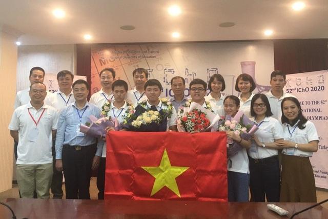 Giành 4 HCV, đội Olympic Hoá học Việt Nam đạt thành tích cao nhất trong lịch sử - Ảnh 1.