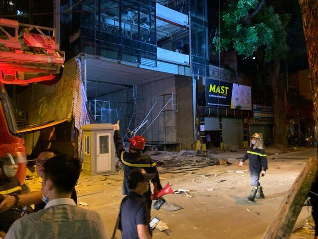 Thông tin mới gây đau lòng vụ sập thang lắp kính khiến 4 người chết ở Hà Nội - Ảnh 3.