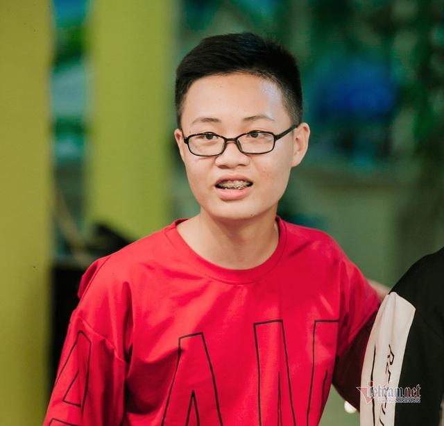 Một lớp có 2 học sinh đạt 48 điểm thi vào lớp 10 ở Hà Nội - Ảnh 3.