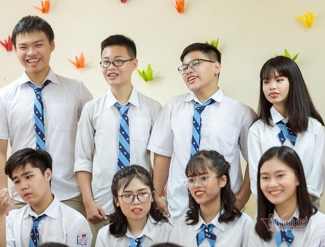 Một lớp có 2 học sinh đạt 48 điểm thi vào lớp 10 ở Hà Nội - Ảnh 4.