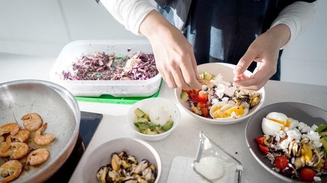 Ăn tối sớm có thể làm được 2 điều tuyệt vời mà ai cũng thích, đặc biệt là những chị em đang muốn thon thả - Ảnh 3.