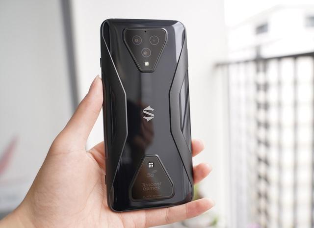 5 smartphone có màu sắc ấn tượng nửa đầu 2020 - Ảnh 4.